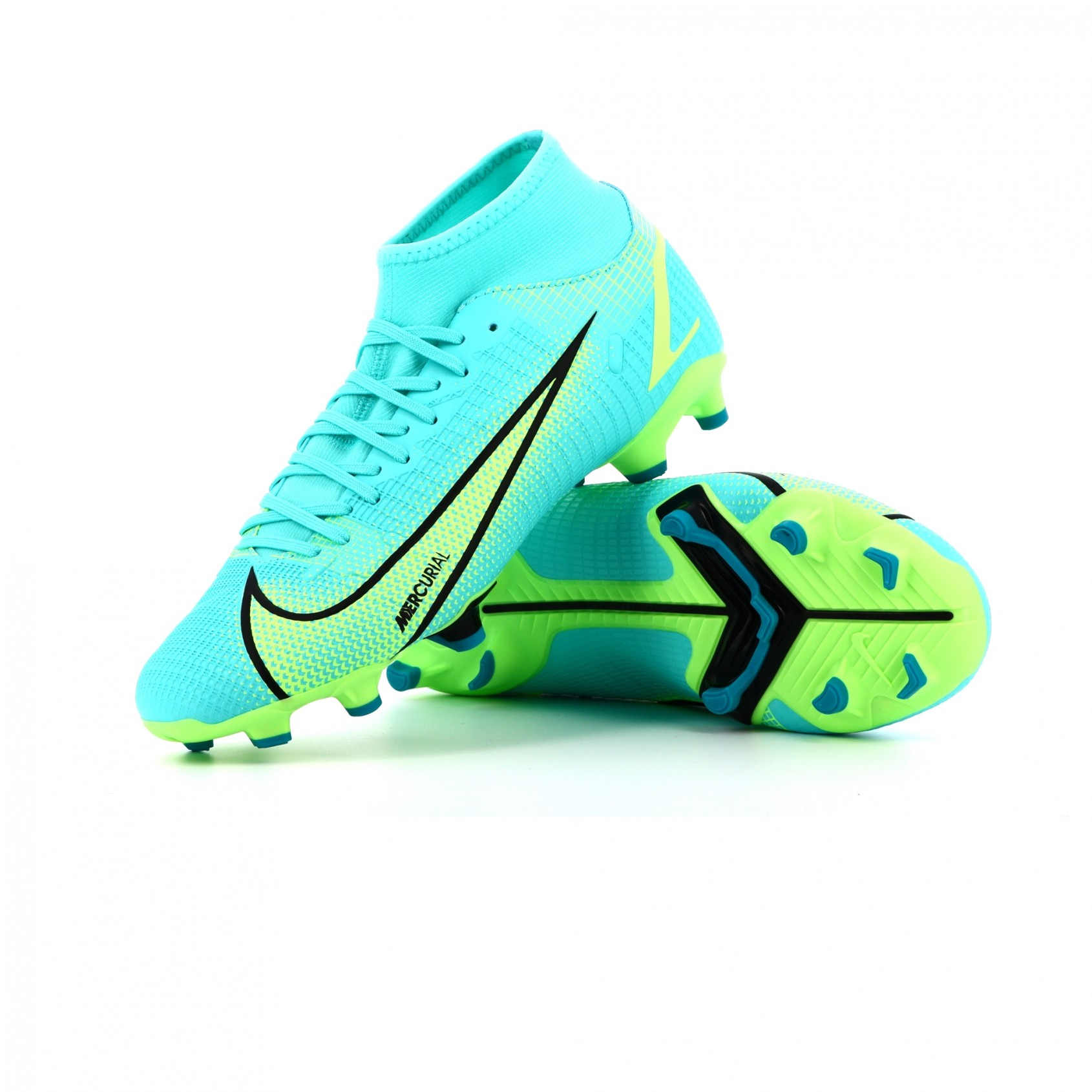 NIKE MERCURIAL SUPERFLY 8 ACADEMY MOULEE presentation