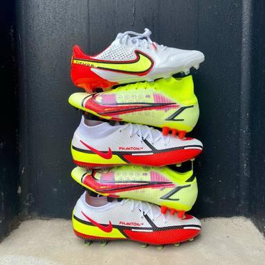 Trouve la motivation sur le terrain ! ⚽️💥  Tu peux en choisir une seule,  laquelle tu choisis ? 🤔  Lien du shop en bio 📲   #espacefoot #nikefootball #motivationpack #nikemercurial #nikephantom #nikesuperfly #tiempo #footballboots #soccerstore