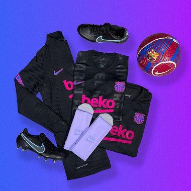 Kit Barca 😈  Entraîne-toi dur et reste stylé avec les dernières sorties @nikefootball du @fcbarcelona 🔥  Disponible maintenant sur espacefoot.fr 📲⚡️  #espacefoot #nikefootball #nike #fcbarcelone #barca #lifestyle #training #soccerstore